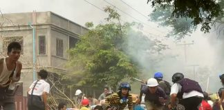 Protesters clash with security forces in Myanmar | LiCAS.news